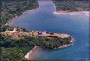 Fort San Lorenzo -- Old Spanish fortress at the mouth of the Chagres River on the Caribbean coast near Fort Sherman.  [Source: World Monuments Fund/Panama site, www.wmfpanama.org/index.html]